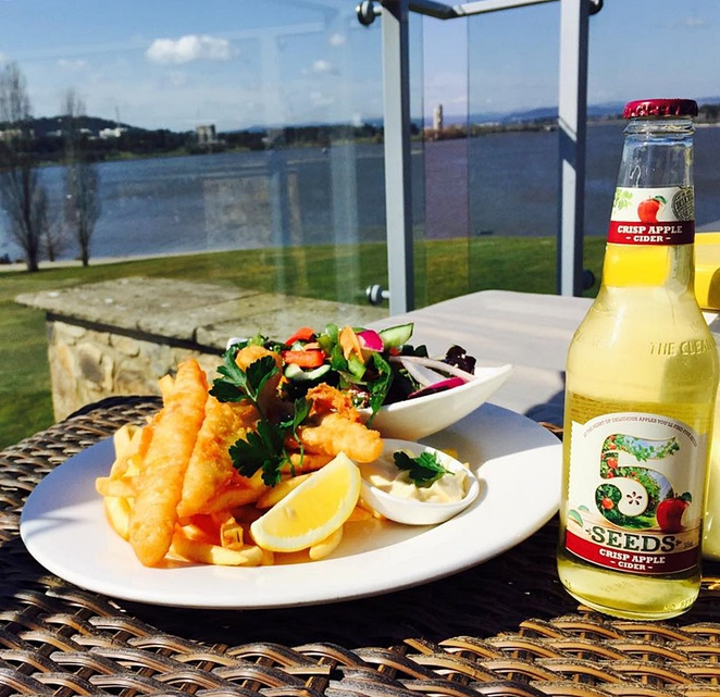 the deck at regatta point, bars with views, drinks, canberra, views, ACT, the deck, commonwealth park, bars, licenced venues,