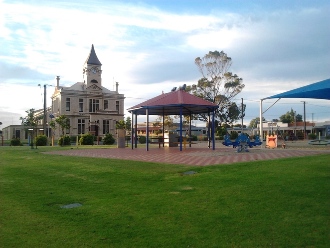 Wallaroo, town hall, playground