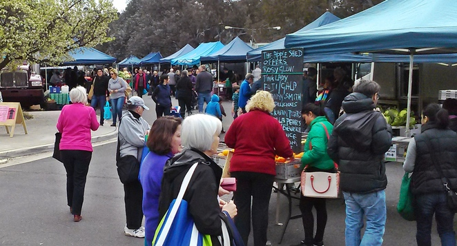 Apple shed, canberra, southside farmers market, phillip, woden, farmers markets, ACT, apples, fresh fruit, vegetables,