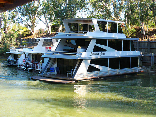 Where To Play Eat And Shop In Echuca Echuca