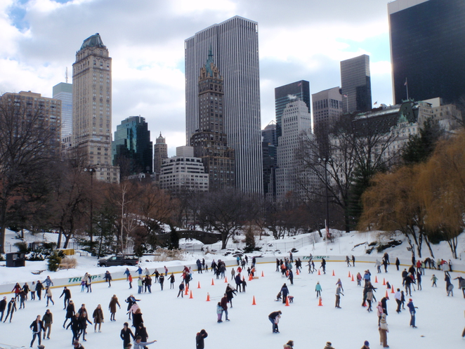 Ice-skating in Central Park, New York City, New York, Central Park, Christmas in New York, snow in central park