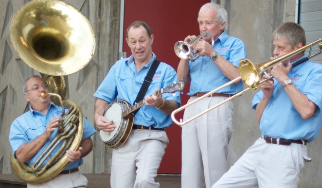 jazz, lunch, poolside, entertainment, brass, trumpet, sax, clarinet, dixieland, ragtime, trad jazz, hot jazz