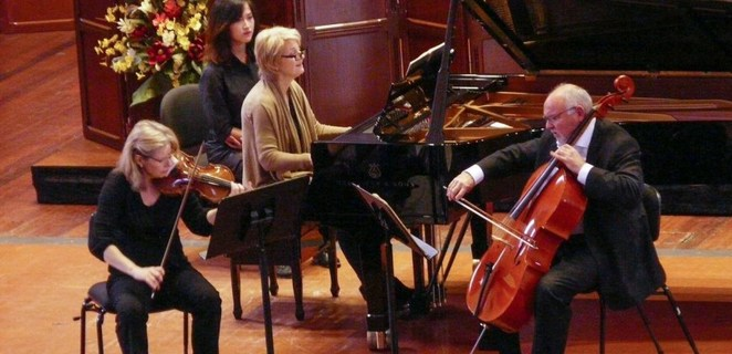 lunchtime concert series, piano trio, university of adelaide, north terrace, cameron hill, violin, janis laurs, cello, lucinda collins, piano, mozart, mendelssohn, pianist, cellist, violinist, elder hall, community event, fun things to do, music lovers