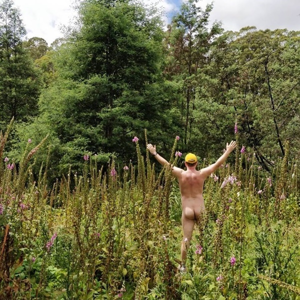 nude,gardening,in,the,bush