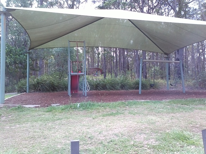 playground, safe, picnic area, fresh water, bush walks