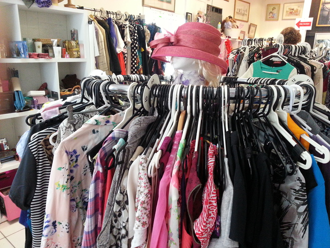 second hand clothing, indooroopilly