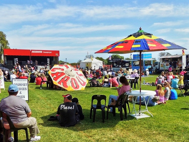 semaphore, semaphore street fair, fun things to do, in adelaide, family events adelaide, activities for kids, free things to do, semaphore road, family events adelaide, live entertainment