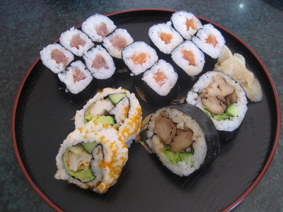 Mixed sushi plate
