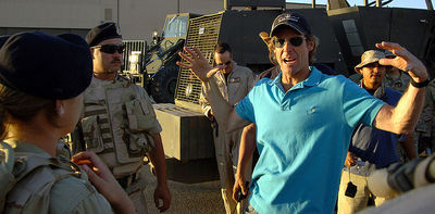 Director Michael Bay on the Transformers (2007) set