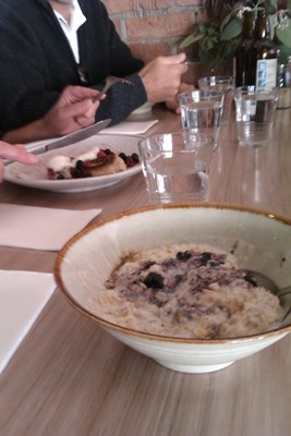 Vanilla and blueberry porridge