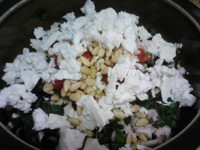 Ingredients - Chicken, Basil, Sundried Tomatoes, Pine Nuts, Feta