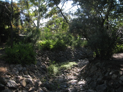 Dry creek bed at Kensington Gardens Reserve