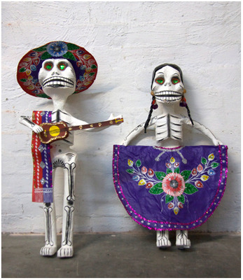 Day of the Dead Couple (Photo courtesy Amor y Locura
