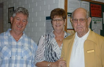 President Ann Hopfmueller and the McCanns, winners of the Summer Pairs BAWA Focus online